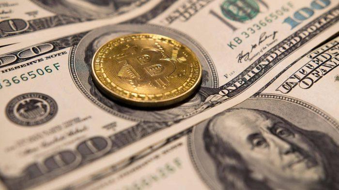 bitcoin blockchain btc 1716596 1 700x393 مکس کایزر : دولت ها و بانک ها تنها برنده بازی ارز فیات هستند